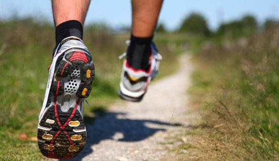 Los corredores deben usar calcetines para cuidar sus pies